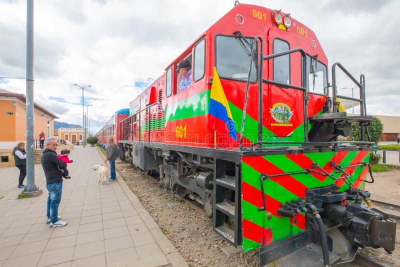 哥伦比亚Cajica启程前往波哥大的火车机车 免版税图库摄影