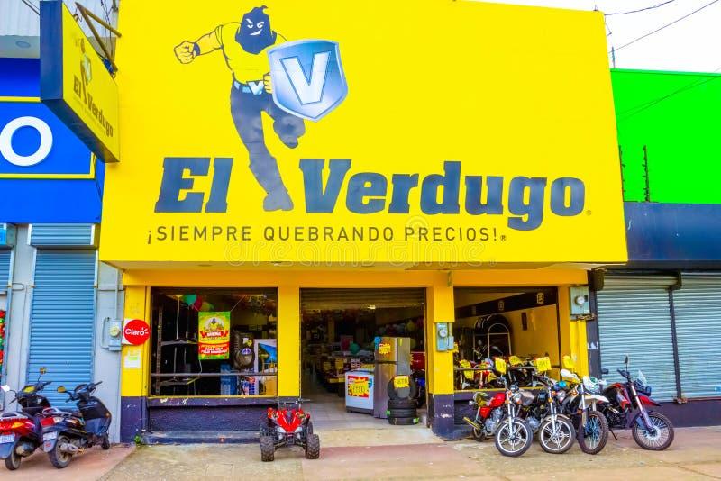 哥斯达黎加利蒙港 — 2019年12月8日:哥斯达黎加利蒙港一家摩托车修理店的前面 免版税库存图片