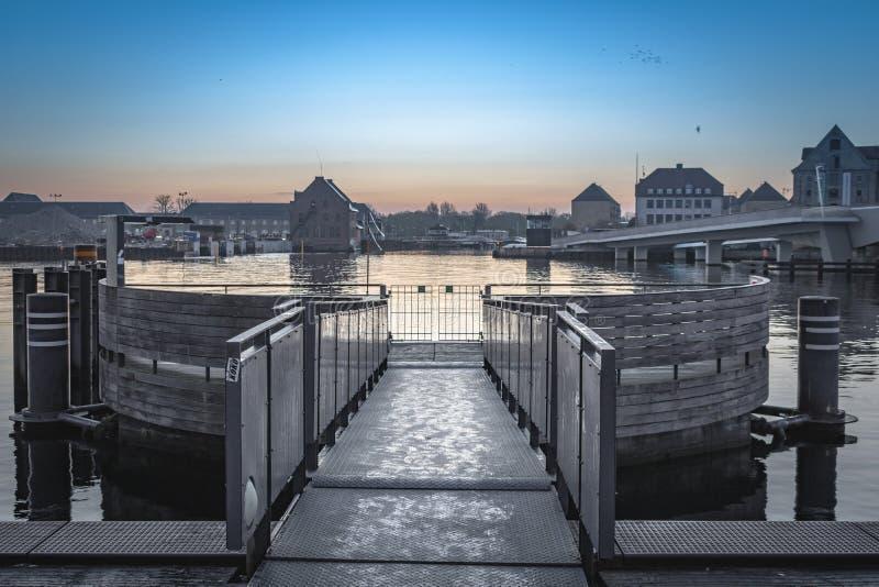 哥本哈根小船公共汽车码头 免版税库存图片