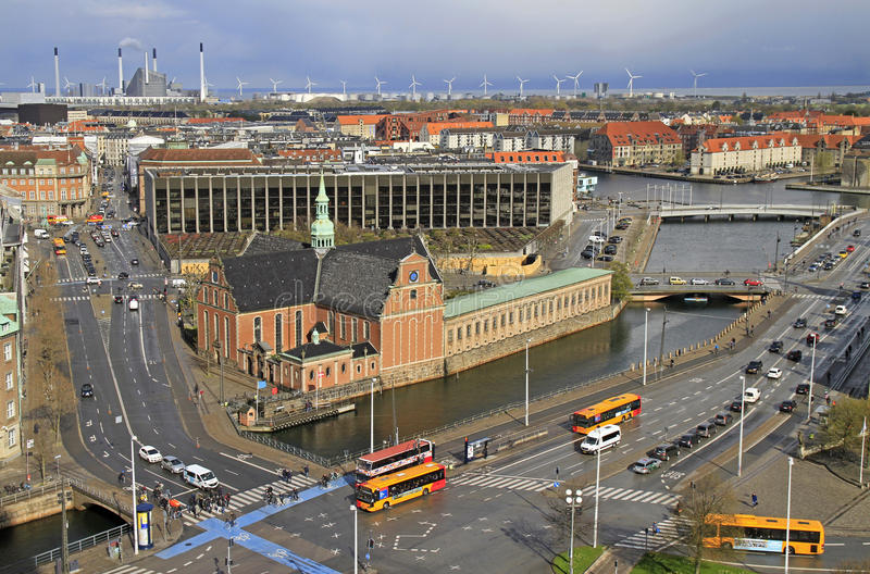 哥本哈根看法从Christiansborg宫殿塔的  免版税库存照片