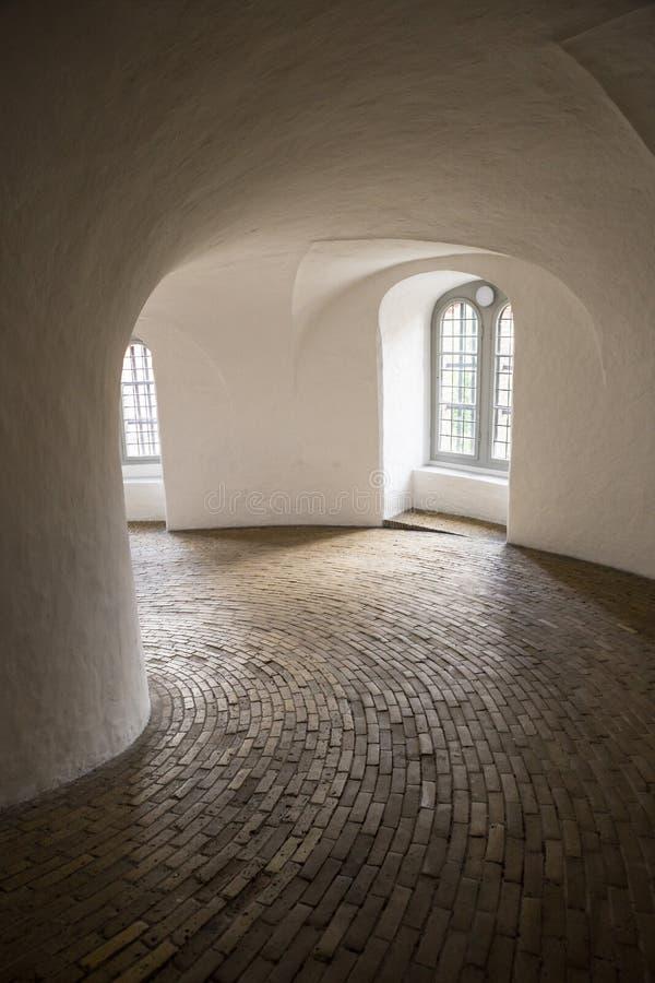 哥本哈根,丹麦- 2017年6月16日:在圆的塔里面,哥本哈根 免版税库存图片