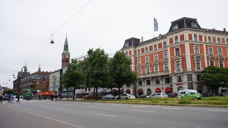 哥本哈根,丹麦- 2017年5月31日:H C Andersens大道最密集地trafficated动脉在中央哥本哈根 免版税库存照片