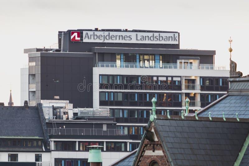 哥本哈根,西兰丹麦- 2019年6月27日:Arbejdernes landsbank在哥本哈根丹麦的中心总部设办公室 图库摄影