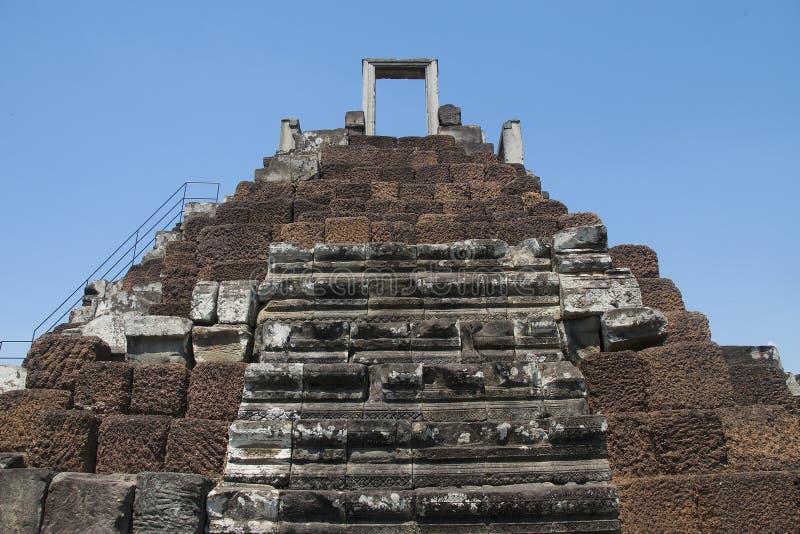 吴哥瓦特- Ta Prohm高棉市的寺庙废墟墙壁吴哥窟-陈述纪念碑 图库摄影