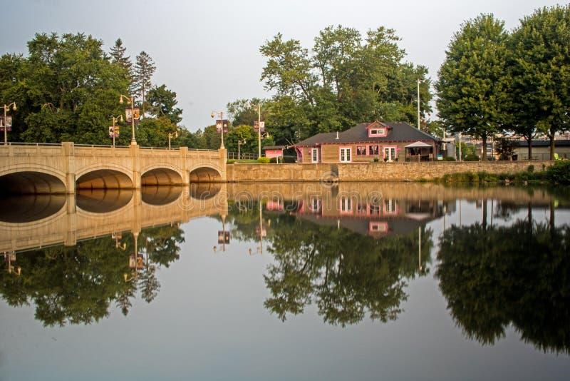 哥顿在速度河的街桥梁在贵湖,安大略 免版税库存照片