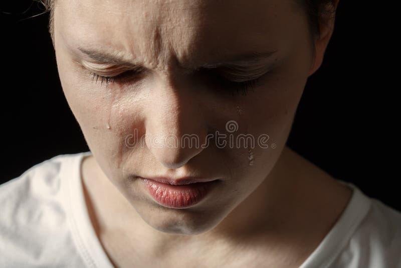 哭泣的哀伤的妇女 图库摄影