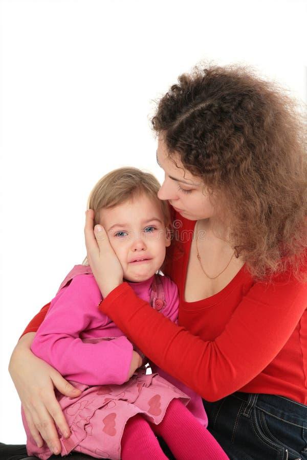 哭泣的女儿母亲 库存图片