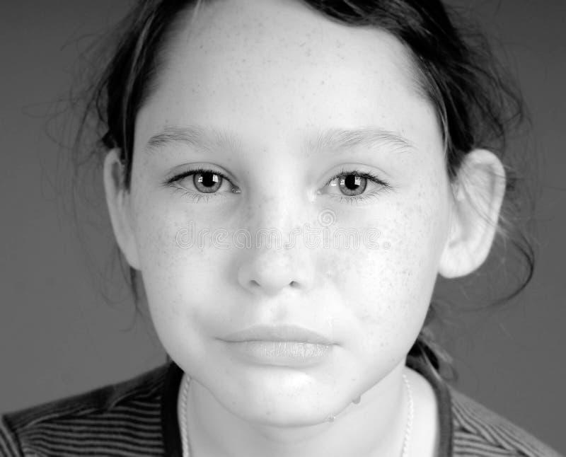 哭泣的女孩年轻人 免版税库存照片