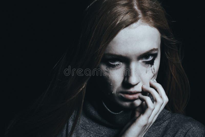 哭泣的女性年轻人 免版税图库摄影