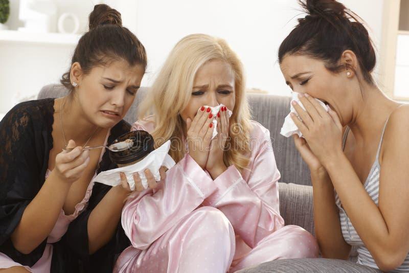 哭泣的妇女画象在家 免版税库存照片