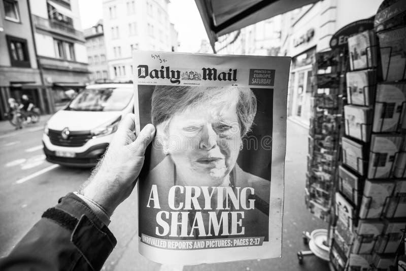 哭泣的文翠珊每日邮报辞职 免版税库存图片