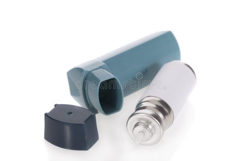 哮喘吸入器查出的白色 库存图片