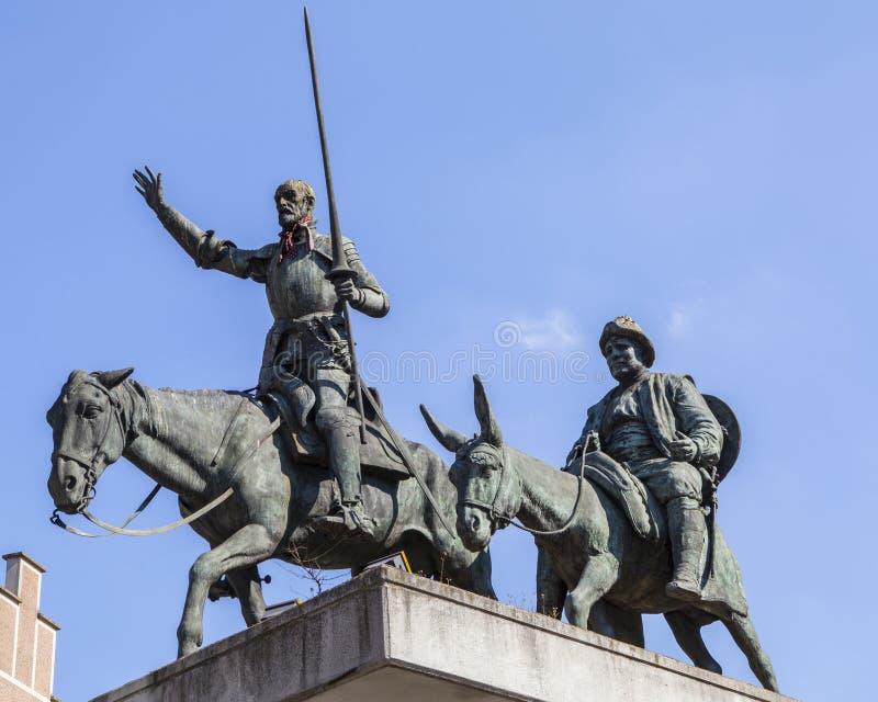 唐吉诃德和Sancho Panza雕象在布鲁塞尔 免版税图库摄影