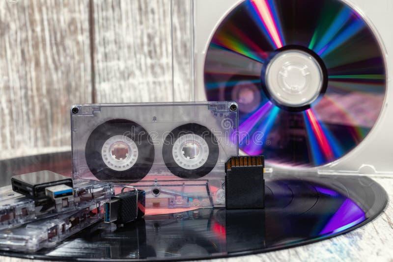 唱片、激光盘和USB一刹那驱动 库存照片