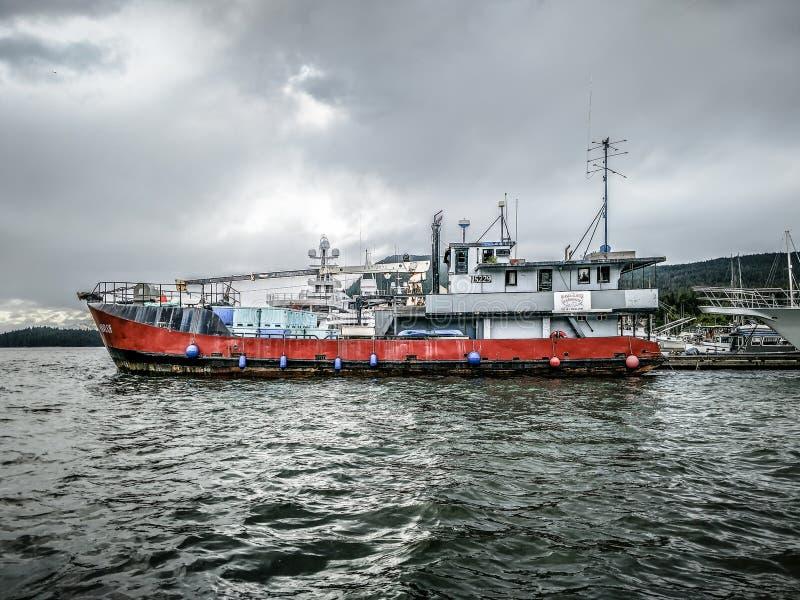 商业在朱诺,阿拉斯加附近的螃蟹捕鱼船 图库摄影