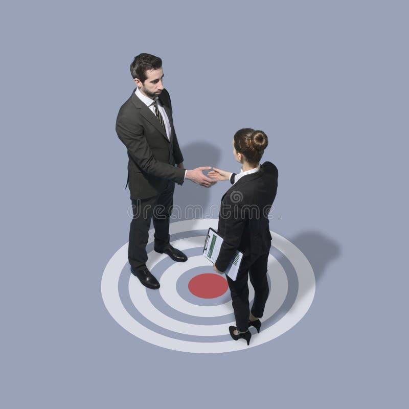 商人会议和握手 免版税库存照片