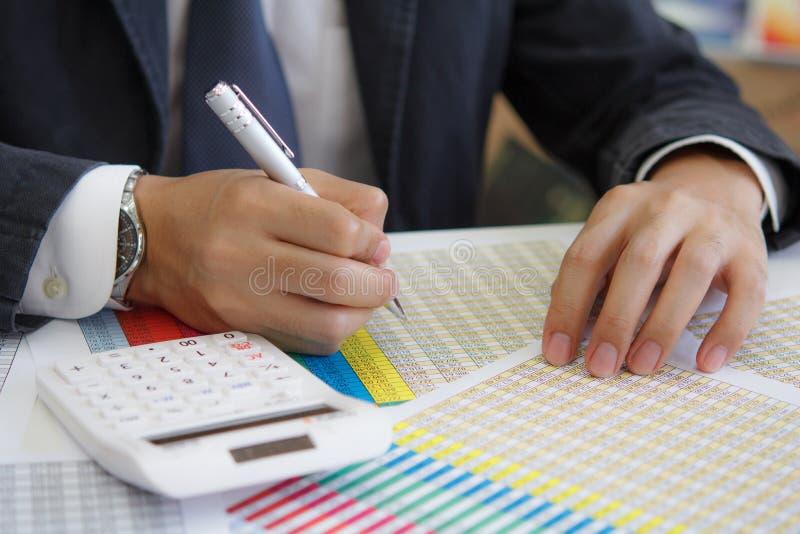 Download 商人分析企业数据 库存照片. 图片 包括有 安排, 解剖学, 工作, 投资, 商务, 财务, 计划, 商业 - 59109128