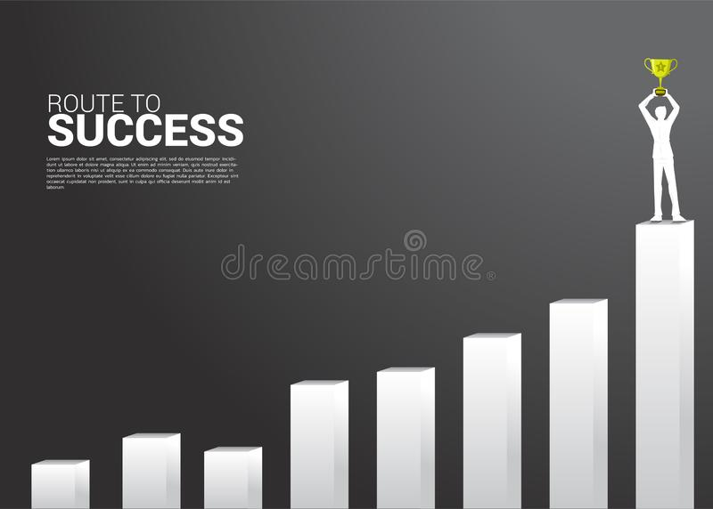 商人剪影与冠军战利品的在成长图表顶部 成长事务,在事业的成功的概念 向量例证