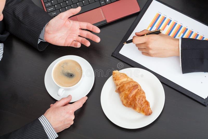 商人在会议上 免版税库存图片