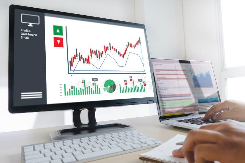 商人工作图日程表或计划的财政报告da 库存图片