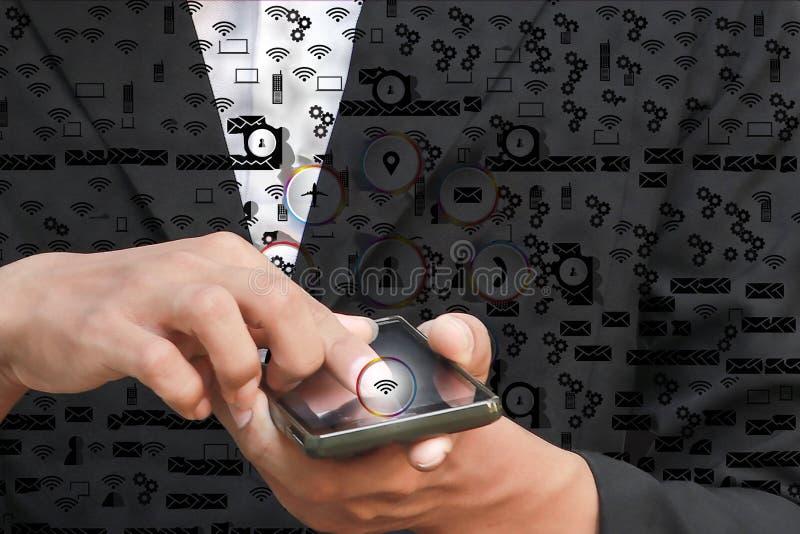 商人手指按现代社交的手接触按象背景 图库摄影
