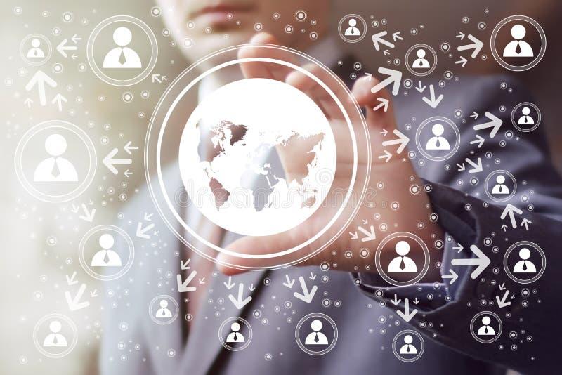 商人接触按钮接口地图象网 免版税库存照片