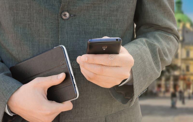 商人电话用电话 免版税库存图片