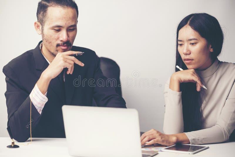 商人的咨询 对企业成功 库存图片