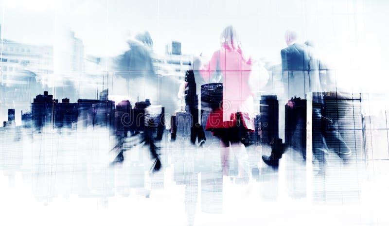 商人的抽象图象走在街道上的 免版税库存照片