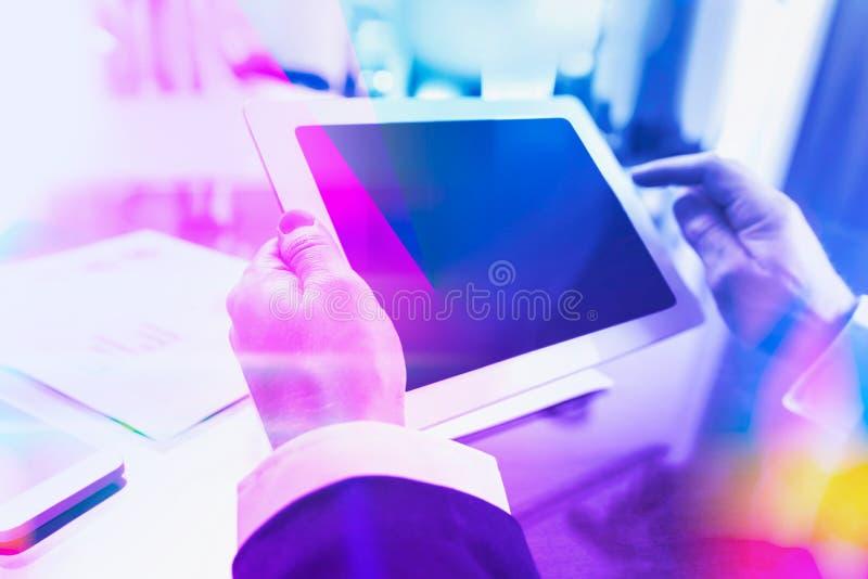 商人的时髦duotone企业概念 库存照片