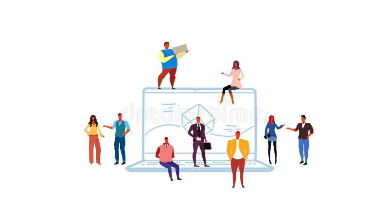 商人群策群力膝上型计算机屏幕计算机应用程序发展概念接口应用的开发商小组 库存例证