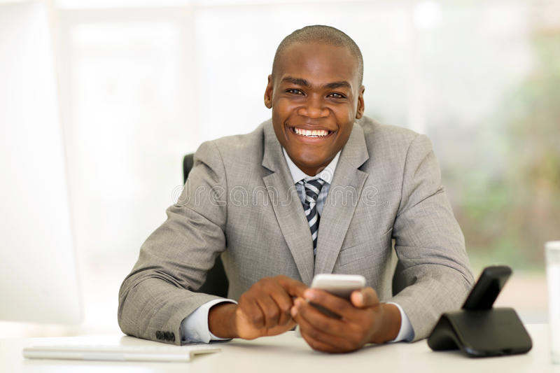 Download 商人聪明的电话办公室 库存照片. 图片 包括有 电话, 成人, 典雅, 办公室, 计算机, 商业, 移动 - 59103290