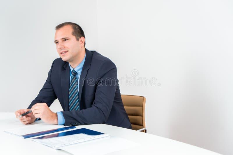 商人行政候宰栏、佩带的无尾礼服和领带 Conf 库存图片