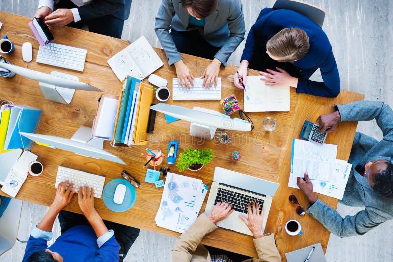 商人运作的办公室公司队概念 库存图片