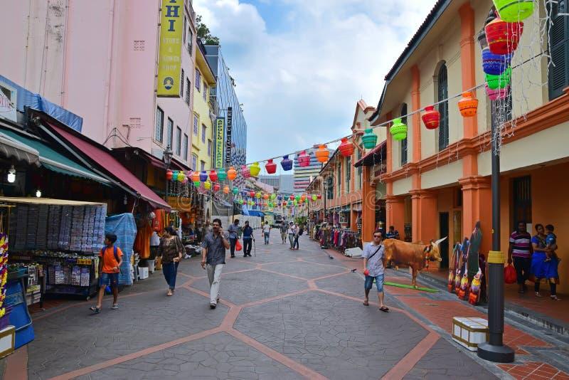 商店和灯笼装饰在坎伯车道在一点印度,新加坡 库存图片