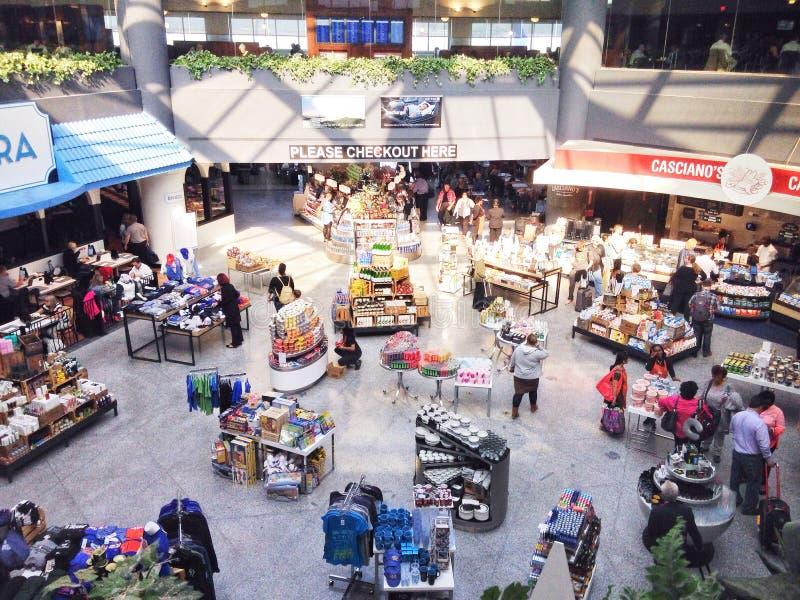 商店地区在机场 免版税库存图片