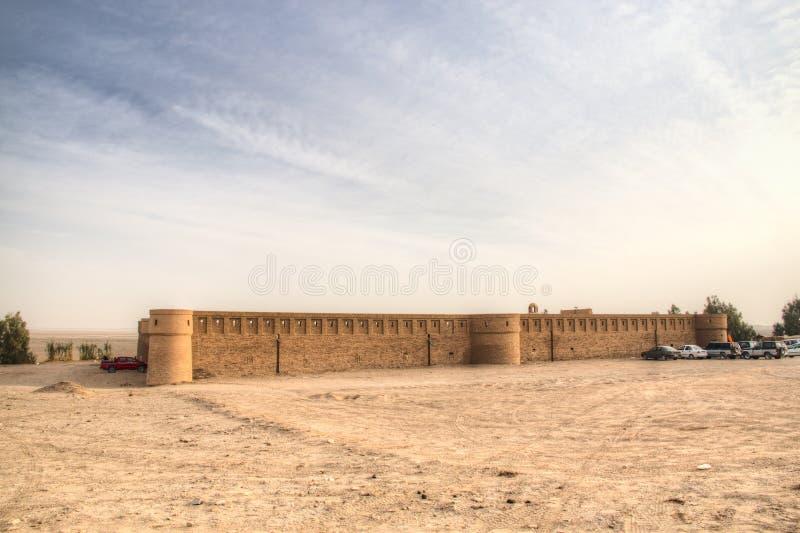 商队投宿的旅舍在喀山,伊朗附近的沙漠 图库摄影