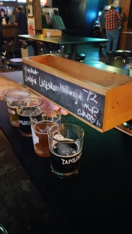 啤酒品尝师 库存照片