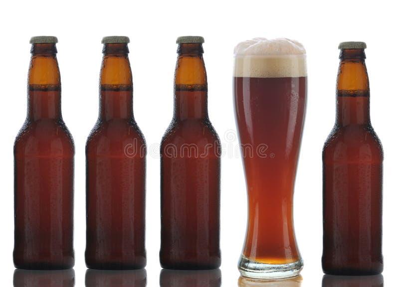 啤酒瓶褐色四充分的玻璃 免版税库存照片