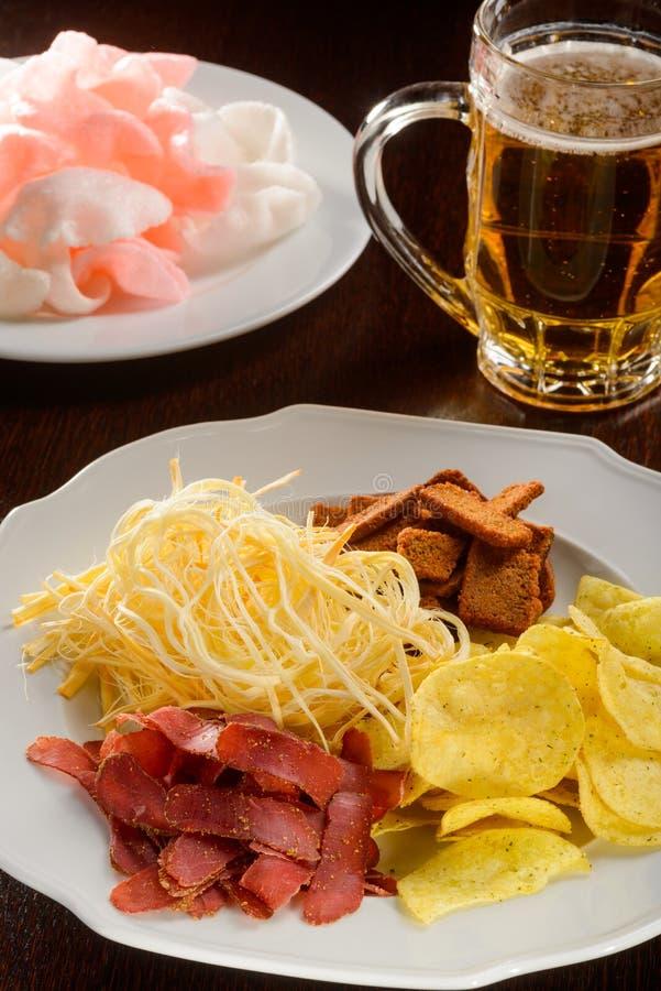 啤酒的最佳的开胃菜 免版税库存照片