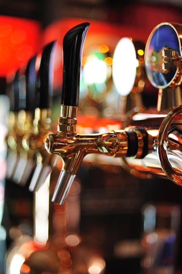 啤酒轻拍 库存照片
