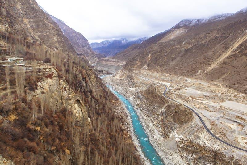 喀喇昆仑山脉高速公路在Kasmir,巴基斯坦 图库摄影