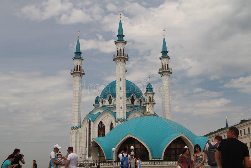 喀山克里姆林宫的主要吸引力是库尔谢里夫清真寺 库存照片