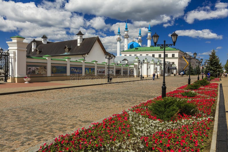 喀山克里姆林宫的墙壁日落的,喀山,俄罗斯 免版税图库摄影