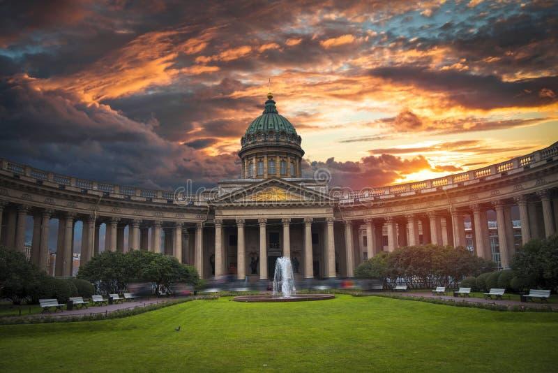 喀山大教堂在市圣彼德堡 免版税图库摄影
