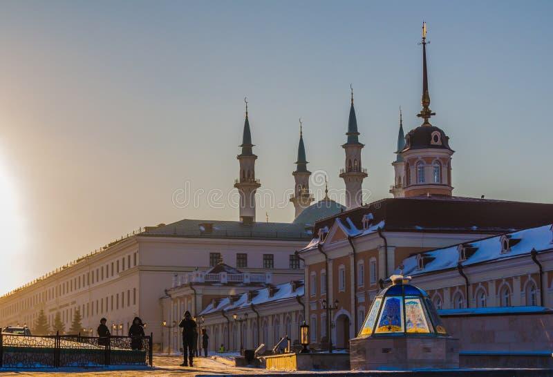 喀山里面克里姆林宫 Qol谢里夫清真寺和大炮围场大厦 免版税库存照片