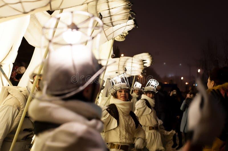 喀山,鞑靼斯坦共和国/俄罗斯- 12 29 2017年:` Remue家务`娱乐节目 法国马戏团在马戏、舞蹈和音乐运作 库存照片