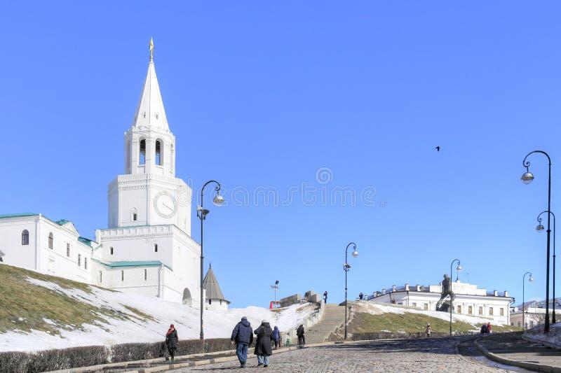 喀山 克里姆林宫 克里姆林宫莫斯科晚上红色spasskaya正方形塔 库存照片