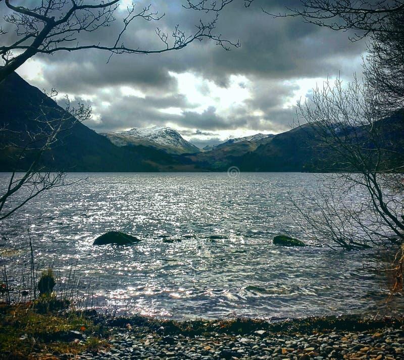 喜怒无常的湖 库存照片