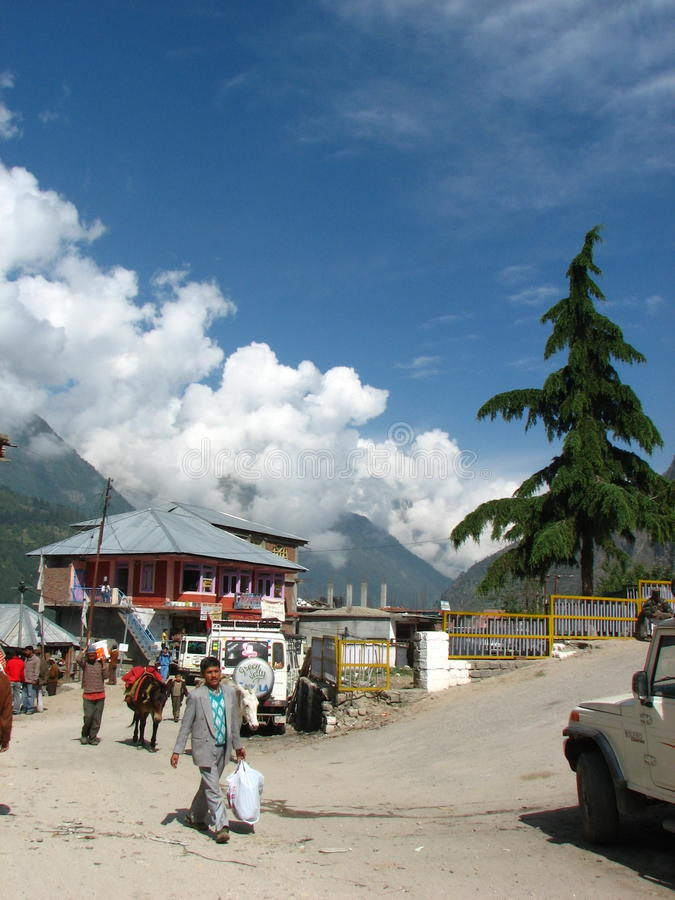 喜马偕尔邦的桑格拉镇在印度 免版税库存照片